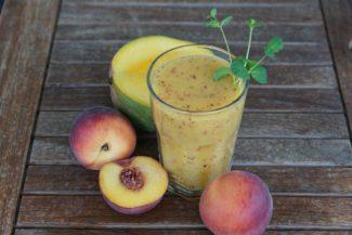 Smoothie de mango y melocotón