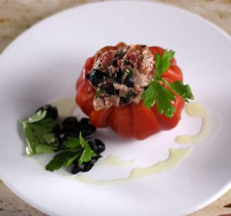 Receta de tomate de buey, atun, aceite