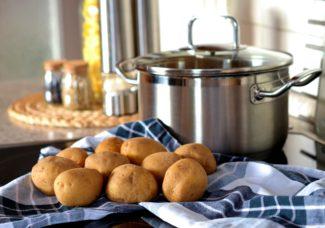 Patatas listas para ser hervidas